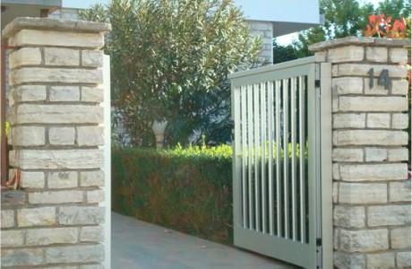 Dvorišna vrata